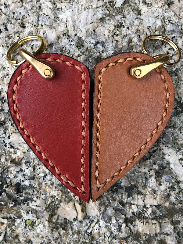 2 piece leather heart keyring